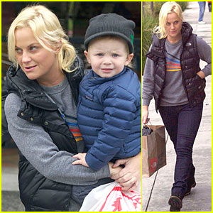 Amy Poehler: Toy Store with Archie & Abel!