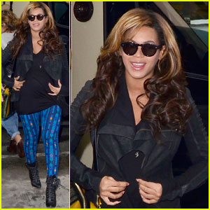 Beyonce: Patterned Pants in NYC!