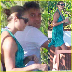 George Clooney & Stacy Keibler: Mexico Getaway!
