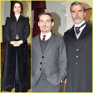 Kevin Zegers & Neve Campbell: 'Titanic' Photo Call!