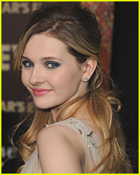 Abigail Breslin Talks First On-Screen Kiss