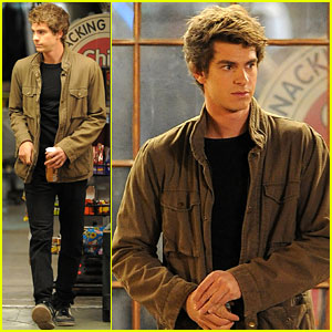 Andrew Garfield: Nighttime Spider-Man!