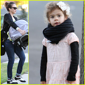 Jessica Alba, Honor & Haven: Christmas Delivery!