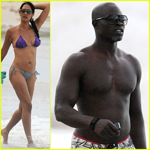 Kimora Lee Simmons: Splish Splash Bikini Babe!