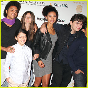 Paris, Prince & Blanket Jackson: 'Immortal World Tour' Premiere!