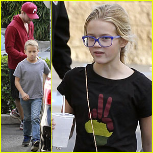 Ryan Phillippe: Sunday Lunch with Ava & Deacon!