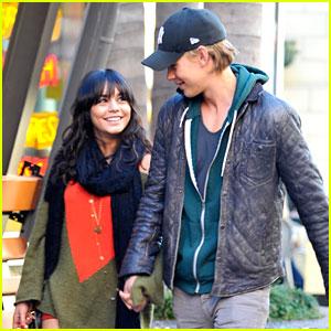 Vanessa Hudgens & Austin Butler: Holiday Hand Holding!