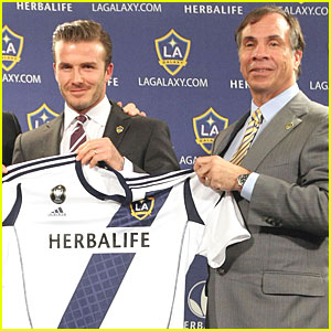 David Beckham: L.A. Galaxy Contract Renewed!