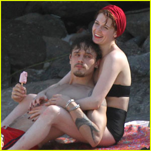 Florence Welch Hits Beach with New Boyfriend