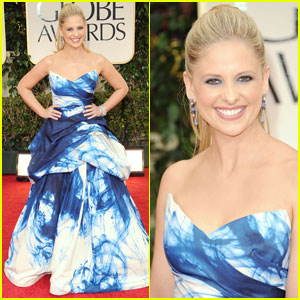 Sarah Michelle Gellar - Golden Globes 2012 Red Carpet