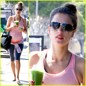 Alessandra Ambrosio: Green Smoothie!