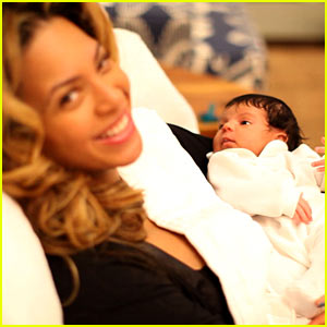 Beyonce  Baby on Blue Ivy Carter  First Pictures    Beyonce Knowles  Blue Ivy Carter
