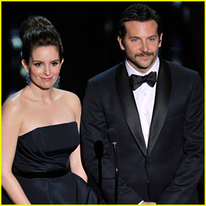 Bradley Cooper - Oscars 2012 Presenter