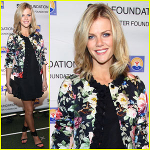 Brooklyn Decker: Jay-Z Benefit Concert!