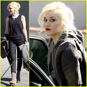 Gwen Stefani: 'Totally Obsessed' With Fashion Websites