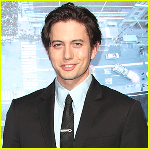 Jackson Rathbone & Sheila Hafsadi: Baby on the Way!