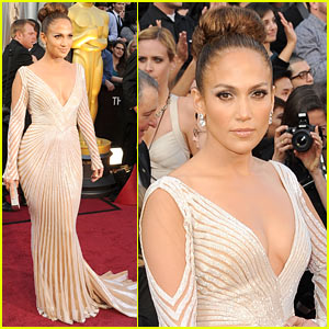 Jennifer Lopez - Oscars 2012 Red Carpet