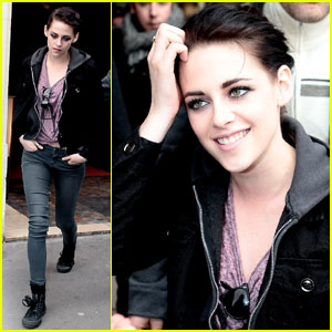 Kristen Stewart: Dinner in Paris!