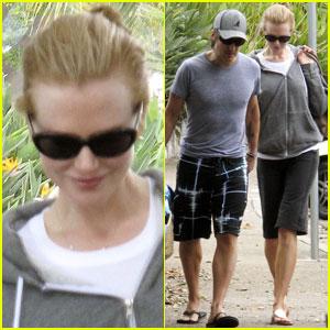 Nicole Kidman & Keith Urban: Beach Bashful