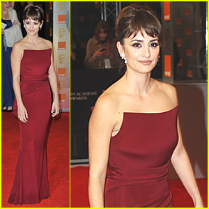 Penelope Cruz - BAFTAs 2012 Red Carpet