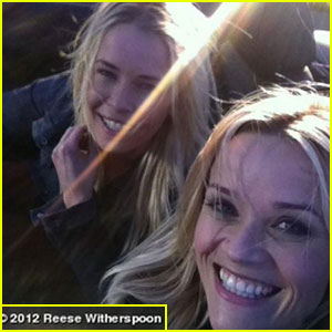 Reese Witherspoon Launches Official Website