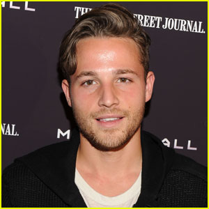 Shawn Pyfrom Returning to 'Desperate Housewives'