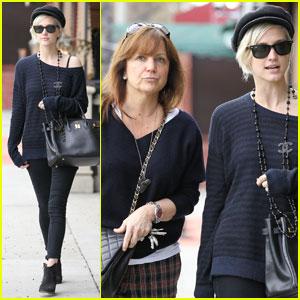 Ashlee Simpson & Mom Tina Grab Sushi in Studio City