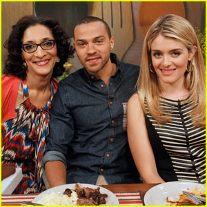 Jesse Williams Makes Magic Bars on 'The Chew'