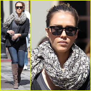 Jessica Alba: Monday Errands