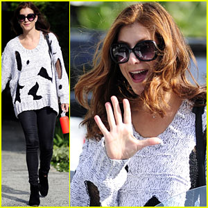Kate Walsh Smiles At the Salon