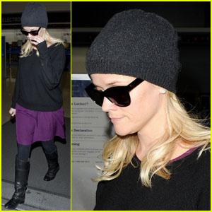 Reese Witherspoon: Pretty in Purple