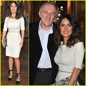 Salma Hayek: Stella McCartney Show at Paris Fashion Week!