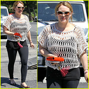 Hilary Duff: Son's Belly Button in Makeup Drawer!