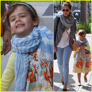 Jessica Alba: Happy Easter!