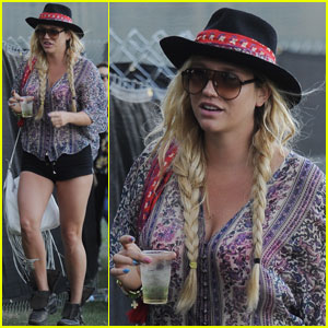 Ke$ha Kicks Back at Coachella