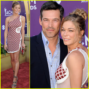 LeAnn Rimes & Eddie Cibrian - ACM Awards 2012 Red Carpet