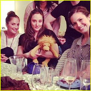 Mandy Moore: Passover Seder with Minka Kelly!