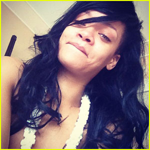 Rihanna: Makeup-Free After Getting 'Leid'