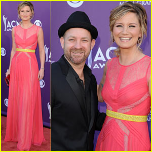 Sugarland - ACM Awards 2012 Red Carpet