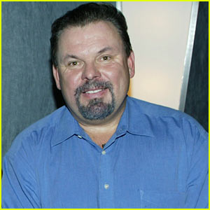 Painter Thomas Kinkade Dead At 54