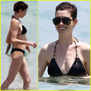 Anne Hathaway: Bikini in Miami!
