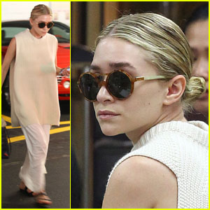Ashley Olsen: Nail Salon Stop
