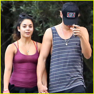 Vanessa Hudgens: Ralph's with Austin Butler!