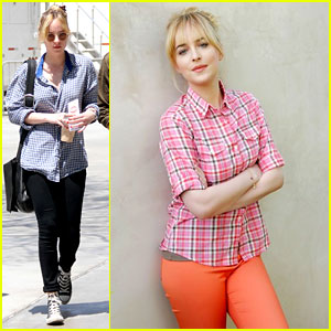 Dakota Johnson: Uniqlo Leggings Campaign!