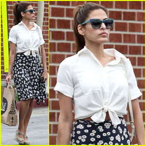 Eva Mendes: Whole Foods Shopper!
