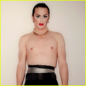 [Image: james-franco-shirtless-drag-queen.jpg]