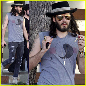Russell Brand Compares MTV Movie Awards  to 'The Avengers'