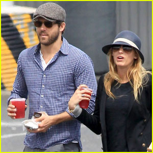Blake Lively & Ryan Reynolds: Ferry on Vancouver Island