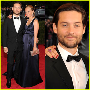 Tobey Maguire: Met Ball 2012 with Jennifer Meyer!