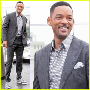 Will Smith Slaps Male Reporter for Trying to Kiss Him